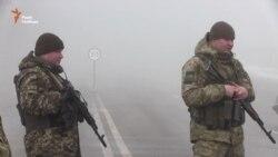 Харківські активісти на кордоні заявили, що блокуватимуть вантажівки Росії (відео)