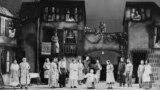 """Сцена из спектакля """"Порги и Бесс"""". Театр Guild, 1935 или 1936 год"""