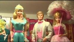Житель Сінгапуру зібрав колекцію з 6000 ляльок Барбі