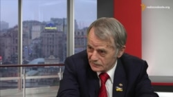 Джамілеў: Акупанты зьмірыліся з крымскататарскімі сьцягамі, але не з украінскімі