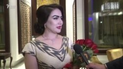 Манижа Давлатова ва Нигина Амонқулова дар байни барандагони TAMOSHOW