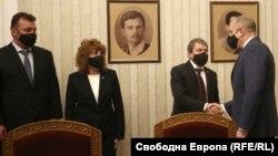 Тошко Јорданов и неговите соработници на средба со Румен Радев