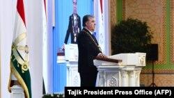 Эмомали Рахмон в пятый раз принял присягу президента. Душанбе, 30 октября 2020 года. Фото пресс-службы президента Таджикистана