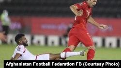 مسابقه فوتبال میان تیم های افغانستان (با لباس سرخ) و عمان