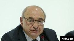 Armenia -- Vazgen Manukian.