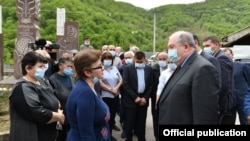 Armenia - President Armen Sarkissian talks to residents of Davit Bek village during a visit to Syunik province, April 20, 2021.