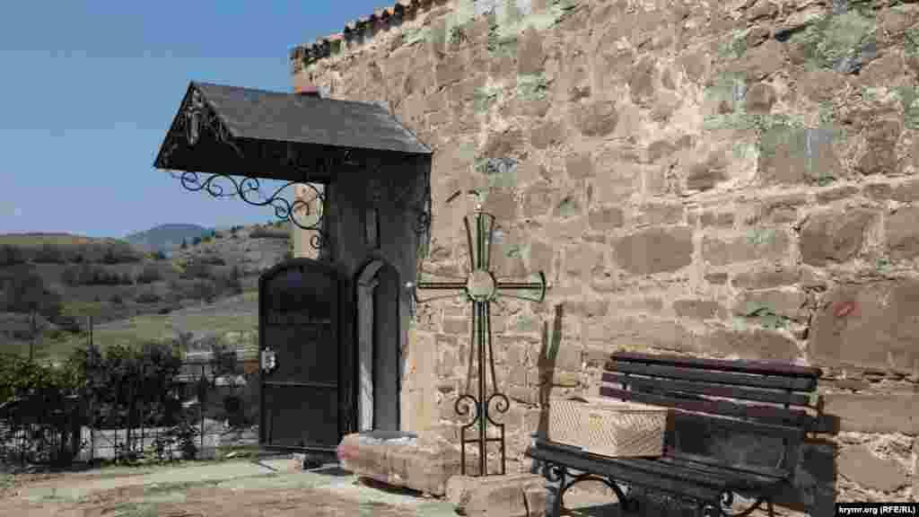 Іллінська церква – найдавніший зі збережених діючих храмів у Криму. Вона була побудована в X-XI століттях