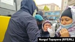 Kazakhstan - Police detains Khalida Akhytkhan. Nur-Sultan, 1 Oct 2021