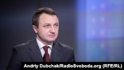 «У нас досить тісна співпраця з Кабінетом міністрів України. Ми співпрацюємо. І я маю можливість зустрічатися і з прем'єр-міністром України, і з міністрами» – мовний омбудсмен