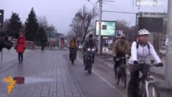 «Зимой на работу на велосипеде»