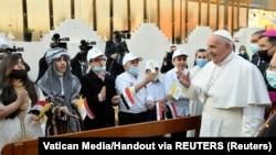 Мўсулдаги насронийлар билан учрашган Рим папаси Франциск, 2021 йил 7 марти