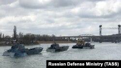 Nave rusești pe Don îndreptându-se dinspre Marea Caspică spre Marea Neagră, Rostov-pe-Don, 13 aprilie 2021