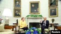 Канцлер Германии Ангела Меркель и президент США Джо Байден в Овальном кабинете Белого дома. 15 июля 2021 года