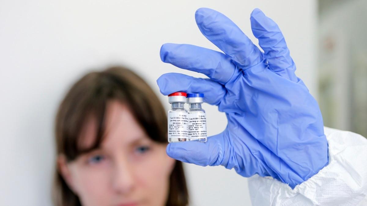 Вакцина в Крыму, крымчане - на дистанционке: полуостров во время пандемии