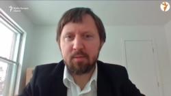 """Piotr H. Kosicki: """"Biserica Catolică a devenit atât de puternică, încât comuniștii au fost nevoiți să țină cont de ea..."""""""