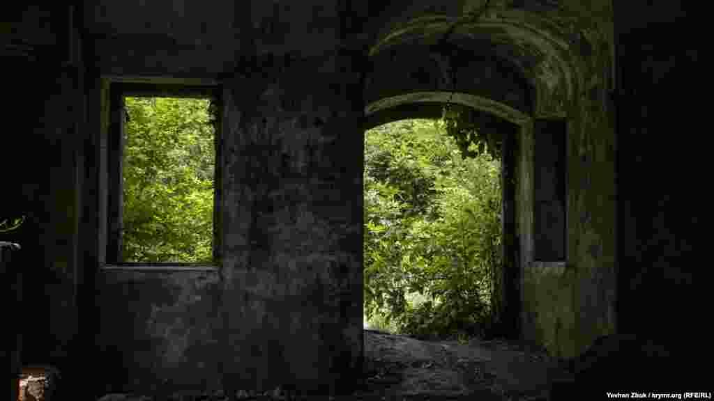 Внутри летнего домика