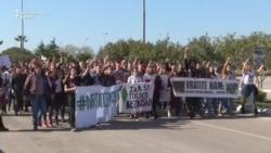"Građanski protest u Baru: ""Mi smo čempresi!"""