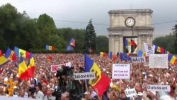 Moldovan Protesters Demand President's Resignation