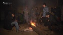Migrants Struggle Through The Night In Frozen Belgrade