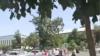 31 июль куни, асосан аёллардан иборат йигирмадан ортиқ одам Андижон вилояти ҳокими Шуҳрат Абдураҳмонов қабулига борган.