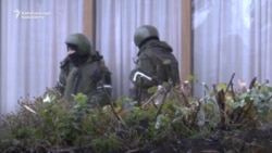 Unidentified Gunmen On Streets Of Luhansk