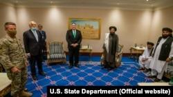 قطر: د امریکا بهرنیو چارو وزیر مایکل ار. پامپیو له طالب پلاوي سره په دوحه کې ویني. ۲۰۲۰، ۱۲ سېپټېمبر