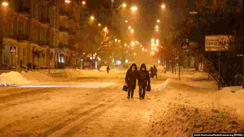 У Києві сильний снігопад почався в ніч на понеділок