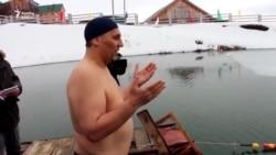 Илдус Маликов бозлы суда йөзүдә дөнья рекорды куйды