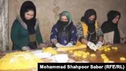 یک کارخانه شیرینیپزی زنان در ولایت جوزجان