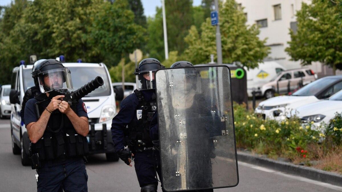 Французская полиция говорит, что к столкновениям в Дижоне причастны группы чеченцев