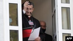 اسقف مار بشاره بطروس الراعی، که مطلب سایت «العالم» وابسته به جمهوری اسلامی ایران درباره او جنجالآفرین شده است.