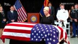 Відео: Аризона прощається з Джоном Маккейном