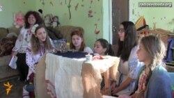 Гра в хованки як спогад дітей-переселенців про укриття від обстрілів