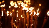 Факельное шествие, иллюстрационное фото