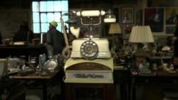 Сотрудник Сануправления Нью-Йорка 30 лет собирает коллекцию выброшенных вещей