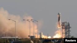 Запуск ракеты «Нью Шепард» с Джефом Безосом на борту