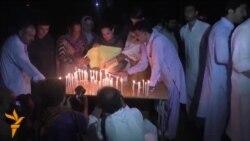 Pakistani përkujton viktimat e sulmit