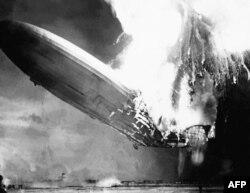 Избухването на цепелинът Хинденбург край Ню Йорк