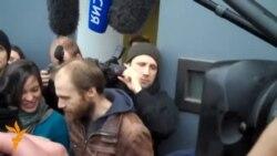 Під заставу звільнили ще 5 активістів «Ґрінпіс», зокрема й фотографа Дениса Синякова