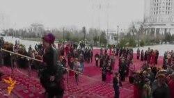 Aşgabat: Güller sergisi geçirildi