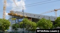 A Liget Budapest Projekt keretében épülő új Néprajzi Múzeum a Városliget szélén, Budapest, 2020. augusztus 10. (MTVA/Róka László)