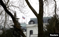 The Russian Embassy in Prague. Moscow warned about consequences in a response to the expulsions from the Russian Foreign Ministry. (file photo)