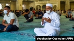 Бишкектеги мечиттердин бири.