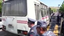 Армения: десятки демонстрантов задержаны на антиправительственном митинге (видео)