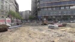 Radnici opštine Stari grad blokirali radove na gradilištu Trga republike