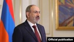 Armenia - Prime Minister Nikol Pashinian addresses the nation, Yerevan, April 25, 2021.