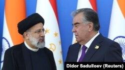Иран басшысы Ибрагим Раиси және Тәжікстан президенті Эмомали Рахмон. Душанбе, 17 қыркүйек 2021 жыл.