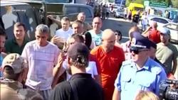 Блокада Криму дратує водіїв вантажівок (відео)