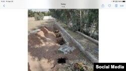 Nekoliko ovakvih fotografija novih grobnica u Havaranu objavljeno je na internetu.