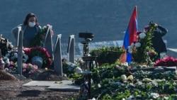 """Время Свободы: """"Если знали всё, то 27 сентября и надо было заключать перемирие"""" Похороны погибших и розыск пропавших армянских солдат"""